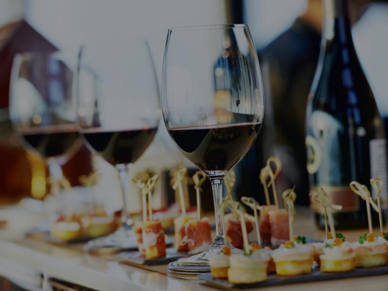 degustazione di vini ed assaggi prodotti tipici
